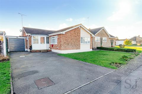 3 bedroom detached bungalow for sale - Oakwood Court, Althorne, Chelmsford