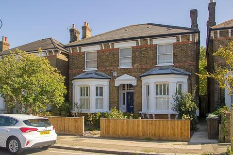 3 bedroom flat for sale - Garlies Road, Forest Hill