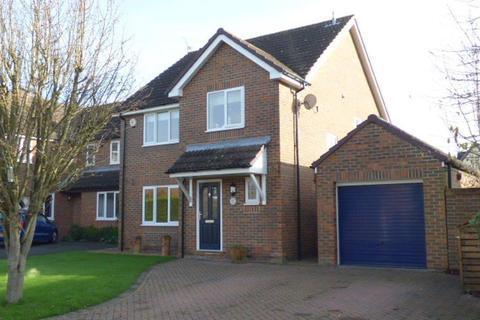 4 bedroom detached house to rent - Benetfeld Road, Binfield, RG42
