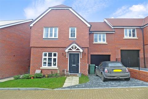 4 bedroom semi-detached house for sale - Bermelie Fields, Barming, Maidstone, Kent