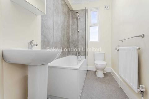 2 bedroom flat to rent - Trinity Cres , Balham London SW17