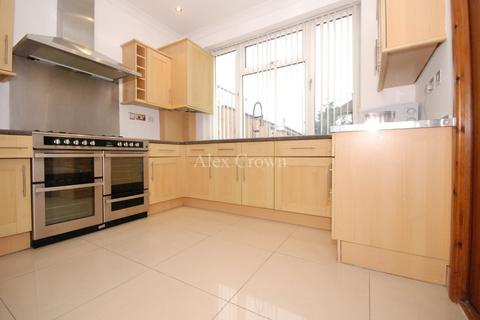 3 bedroom terraced house to rent - Long Lane, Finchley