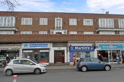 2 bedroom flat for sale - Longbridge Road, Barking, IG11