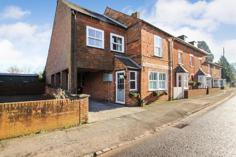 4 bedroom detached house for sale - High Street North, Stewkley