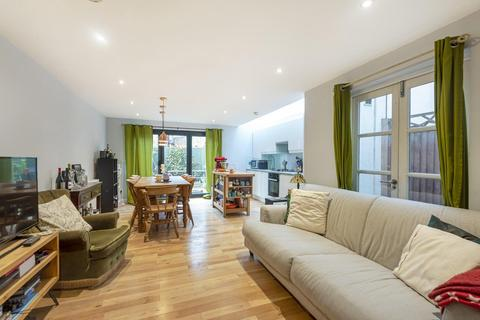 2 bedroom flat for sale - Atheldene Road, Earlsfield