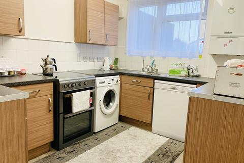 3 bedroom terraced house to rent - Moorfield Road , Enfield EN3