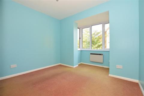 1 bedroom flat for sale - Walcheren Close, Deal, Kent