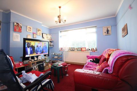 2 bedroom flat for sale - Saville Road, Chadwell Heath, Essex, RM6