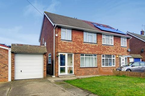 3 bedroom semi-detached house for sale - Langdale drive, Hayes UB4