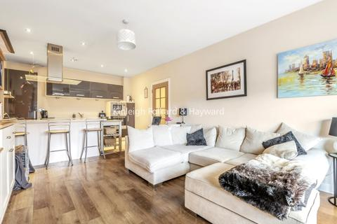2 bedroom flat to rent - Broomcroft Court, Chiswick W4
