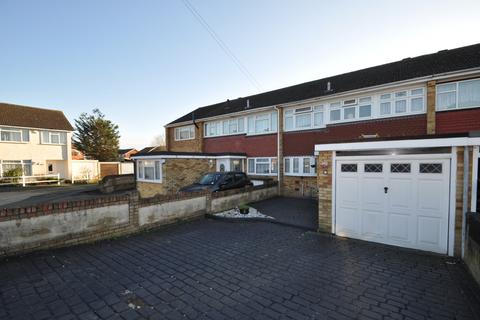 3 bedroom terraced house for sale - Fairlop Close, Hornchurch, Essex, RM12