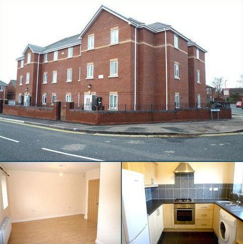 2 bedroom apartment to rent - New Street, Flat 11, Manchester, M30
