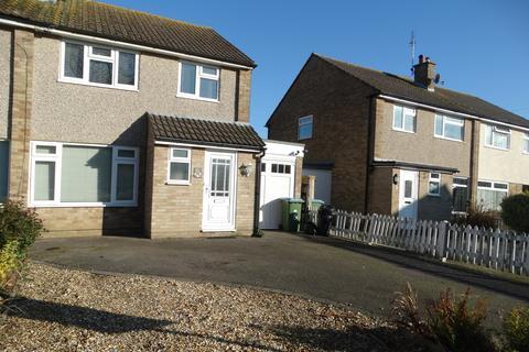 3 bedroom semi-detached house to rent - Ambleside Close, Bognor Regis