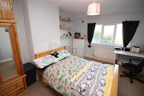 5 bedroom semi-detached house to rent - 38 Newport View, Five Bed, Leeds