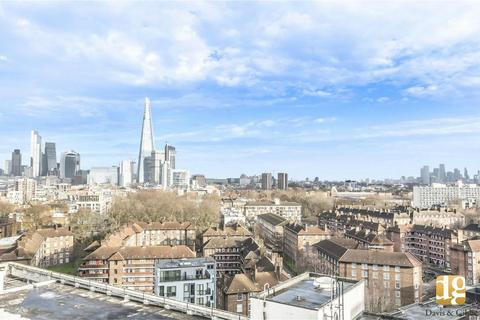 4 bedroom flat for sale - Metro Central Heights, Elephant and Castle