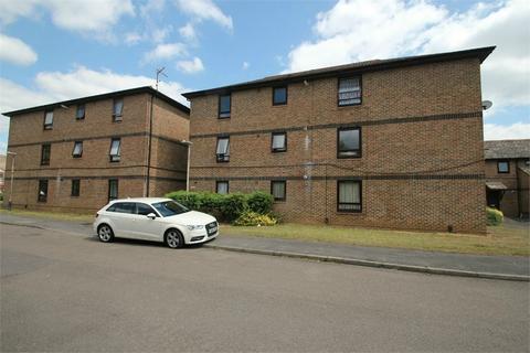 1 bedroom flat for sale - Tamarisk Way, Cippenham, Berkshire