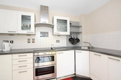 2 bedroom apartment to rent - Wards Wharf Approach, London, E16