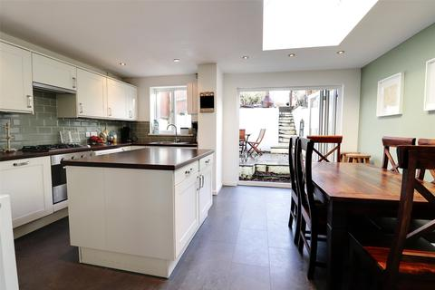 3 bedroom terraced house for sale - East Street, Bishops Tawton