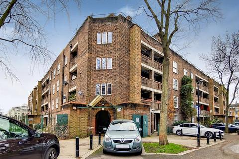 2 bedroom flat for sale - Loughborough Estate, London SW9