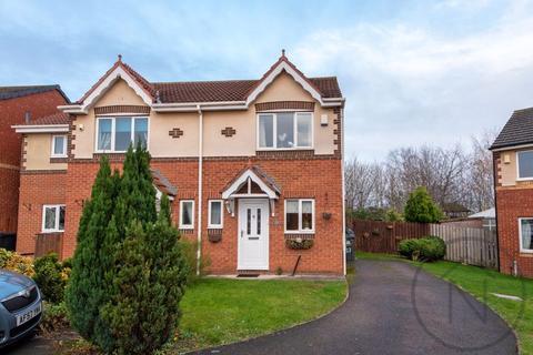 2 bedroom semi-detached house for sale - Wederly Close, Darlington