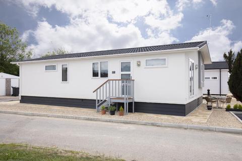 2 bedroom mobile home to rent - Milestone Road, Carterton