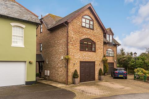 4 bedroom semi-detached house for sale - River Park, Iford Lane, Tuckton