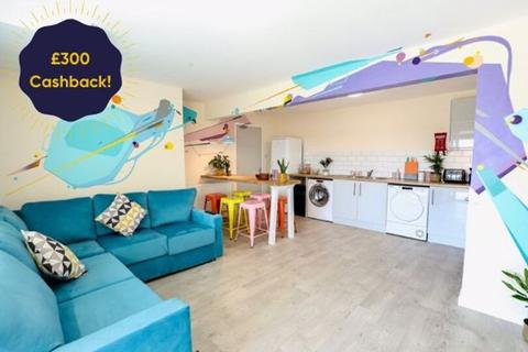 6 bedroom semi-detached house to rent - Brentwood Crescent, Brighton