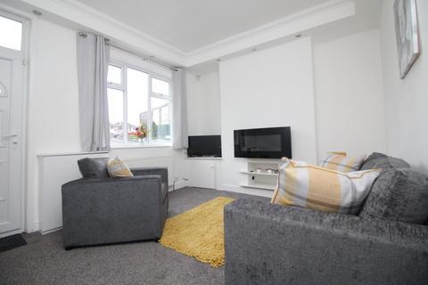 1 bedroom house share to rent - Leeds Road, Kippax, Leeds
