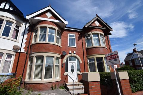 2 bedroom apartment to rent - Warley Road, Blackpool