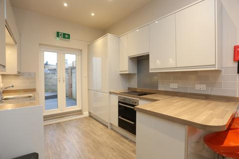 4 bedroom terraced house to rent - West Hill Street, Brighton