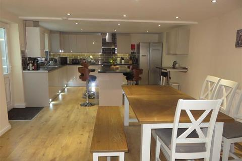 3 bedroom semi-detached house for sale - Bangor Road, Benllech, Isle Of Anglesey
