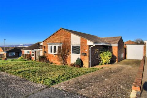 2 bedroom detached bungalow for sale - Hurdis Road, Seaford, East Sussex