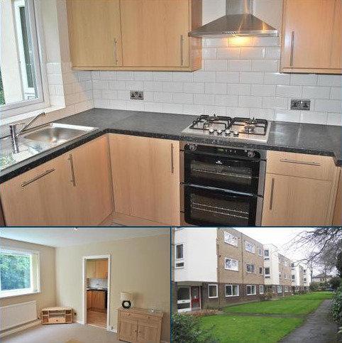 2 bedroom flat to rent - Cloverley, Brooklands Road