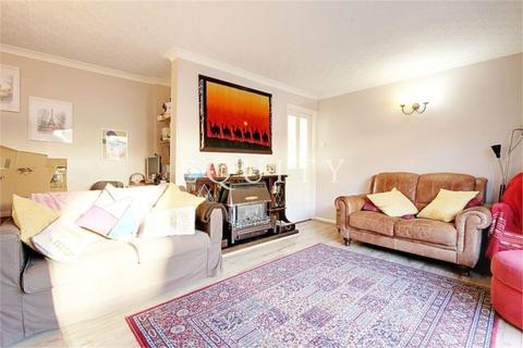 3 bedroom end of terrace house to rent - Wetherby Road, ENFIELD, EN2