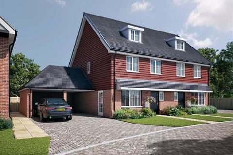 4 bedroom semi-detached house for sale - Mulberry Place, Margate, Kent