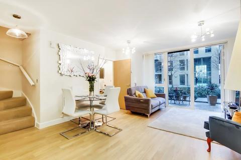 2 bedroom ground floor maisonette for sale - Oxley Square, Bow, E3