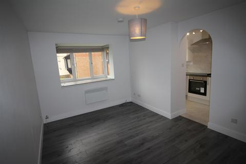 1 bedroom flat to rent - Plowman Close, Edmonton, N18