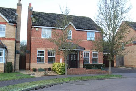 4 bedroom detached house for sale - Wingfield Drive, Potton
