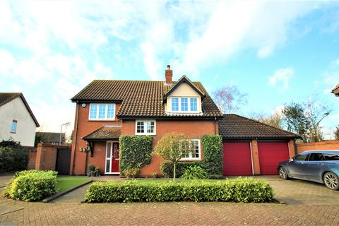 4 bedroom detached house for sale - The Pines, Laindon, Basildon, Essex, SS15
