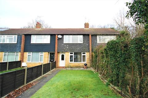 3 bedroom terraced house for sale - Highclere Gardens, Knaphill, Woking, Surrey, GU21