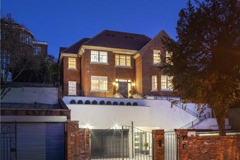 7 bedroom detached house for sale - West Heath Road, London, NW3