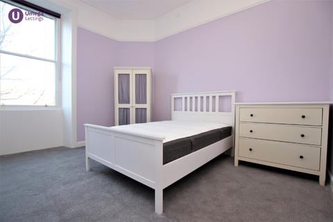 2 bedroom flat to rent - Montgomery Street, Hillside, Edinburgh, EH7 5HZ