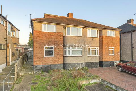 3 bedroom maisonette for sale - Meadowview Road, Catford