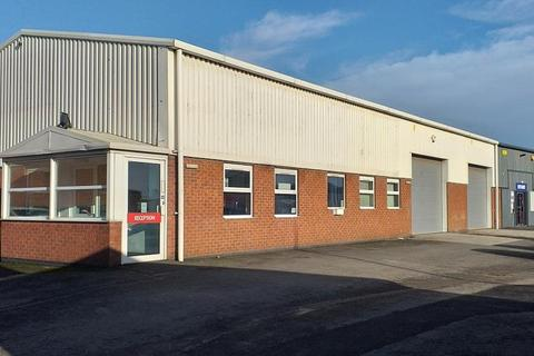 Industrial unit to rent - Former A1 Tyres, Great Union Street, Hull