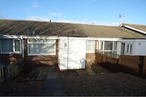 2 bedroom bungalow to rent - Meadowfield, Ashington, Northumberland, NE63 9TR