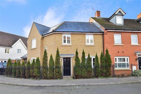 3 bedroom end of terrace house for sale - Carnation Crescent, Sittingbourne, Kent