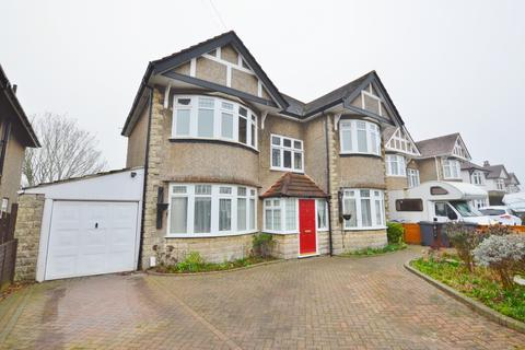 3 bedroom flat to rent - Brackendale Road, Queens Park, Bournemouth BH8