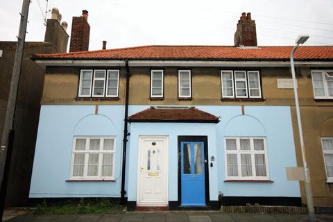2 bedroom apartment for sale - Princes Street, Deal