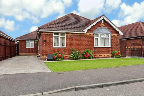 4 bedroom bungalow for sale - Meadow Drive, Burstwick, East Yorkshire, HU12