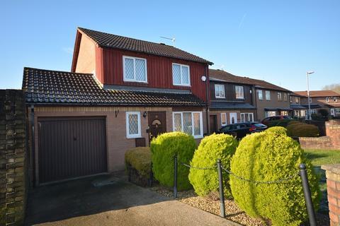3 bedroom detached house for sale - Saffron Drive, St. Mellons, Cardiff. CF3